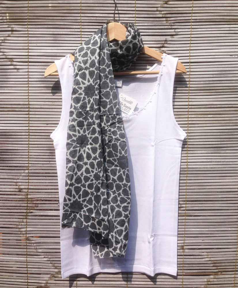 Nur Zahra scarf with an Islamic geometric pattern